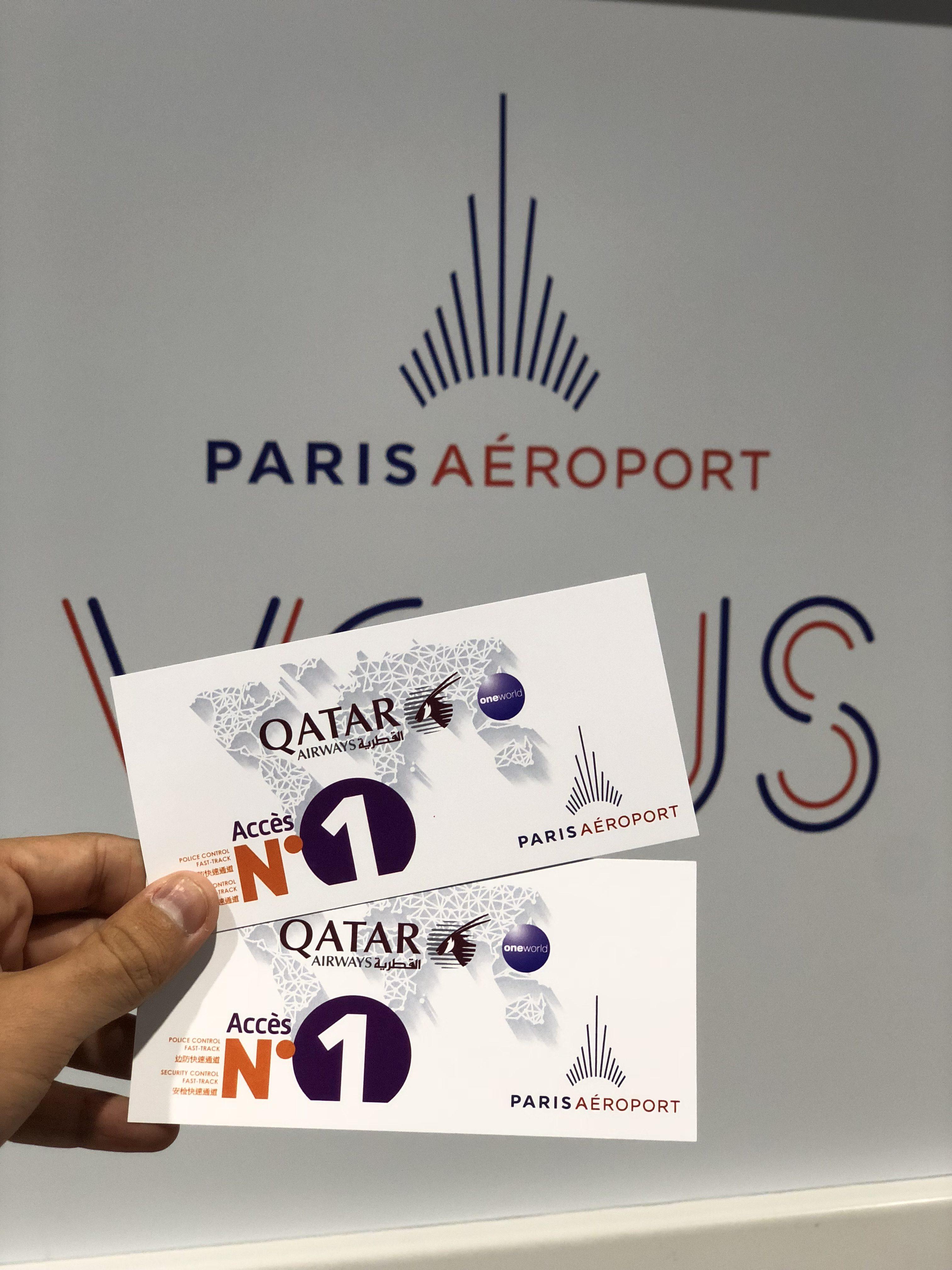 Une Fois Lenregistrement Des Bagages Ralis Avec Les Charmantes Htesses De Chez Qatar Airways Puis Cartes Dembarquement En Poche On Se Dirige Vers